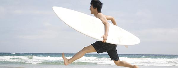 「サーファーは薄毛になりやすい」の真相